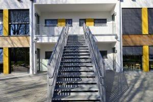 Kindergarten außen, Treppe nach oben
